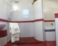 Duschanlage mit Quarzstein