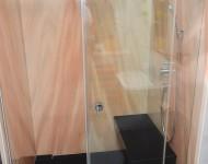 Duschanlage Marmorrückwände