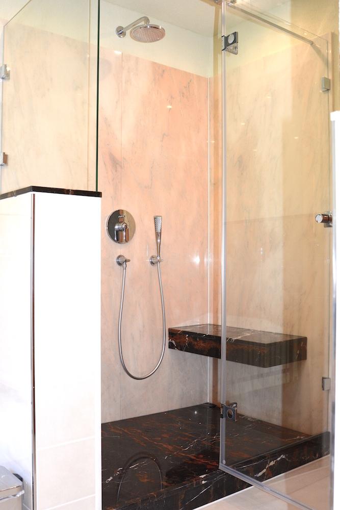 ein traum in ros und schwarz walters traumb der. Black Bedroom Furniture Sets. Home Design Ideas