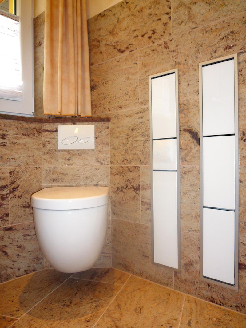 Geschwungene duschabtrennung raum und m beldesign for Quadratisches jugendzimmer einrichten