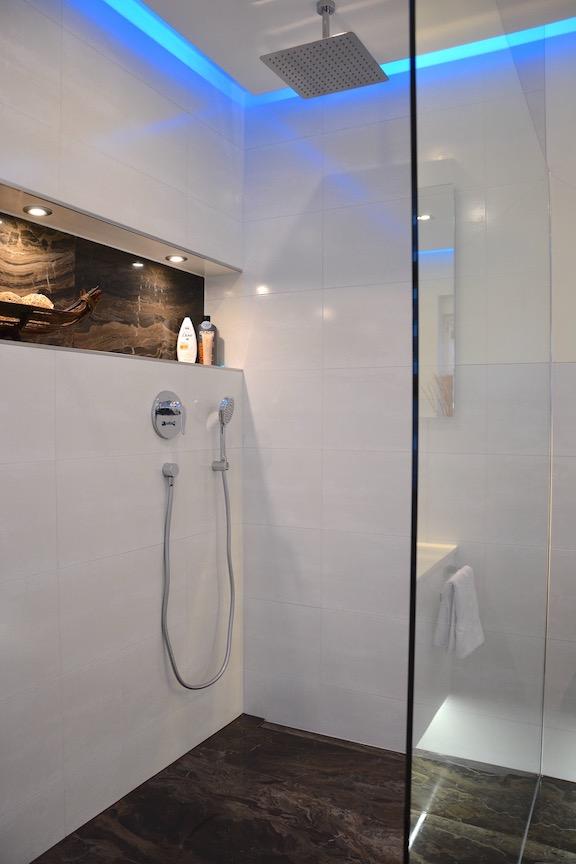offene Duschanlage - Walters Traumbäder