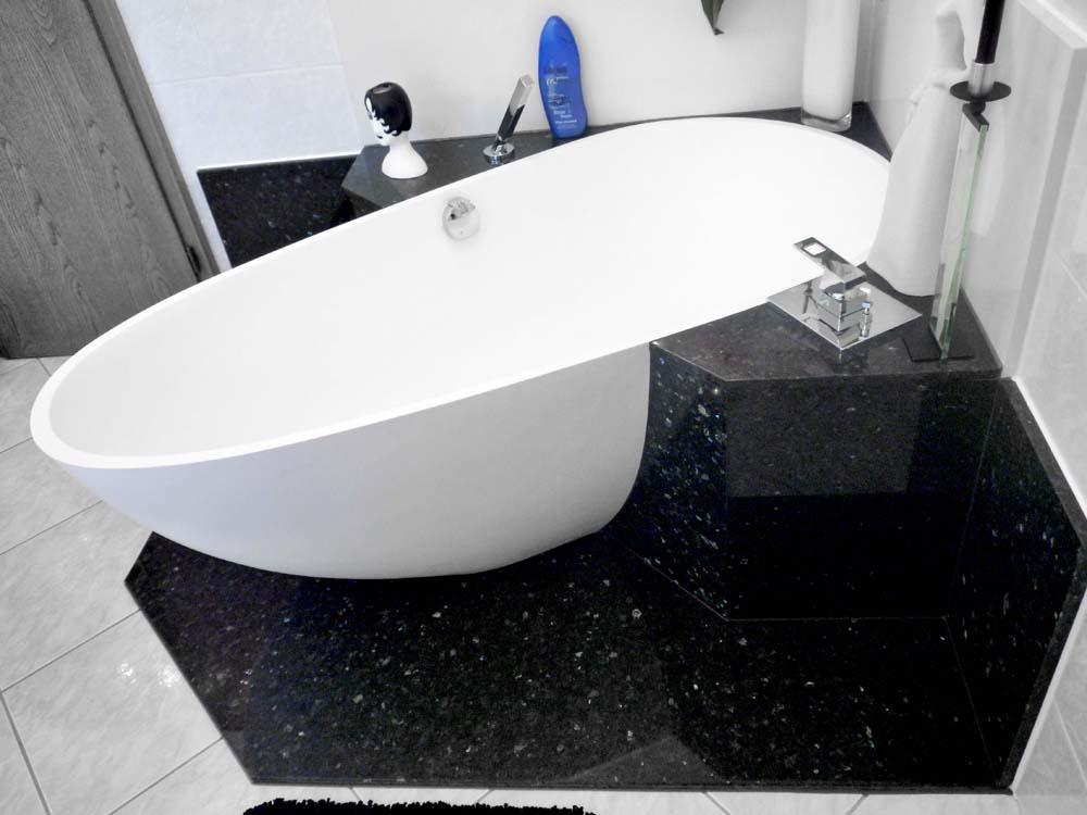 bad versch nert mit granit und quarz compac walters traumb der. Black Bedroom Furniture Sets. Home Design Ideas