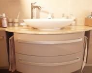 Aufsatz-Waschtisch auf Marmorplatte