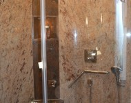 Duschanlage aus Granit