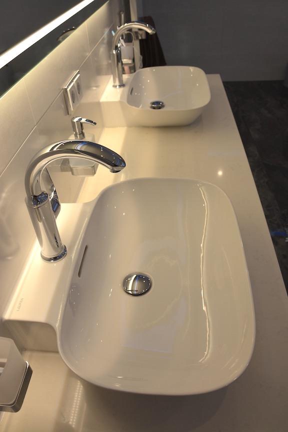 Waschtischanlage mit indirekter Beleuchtung - Walters Traumbäder